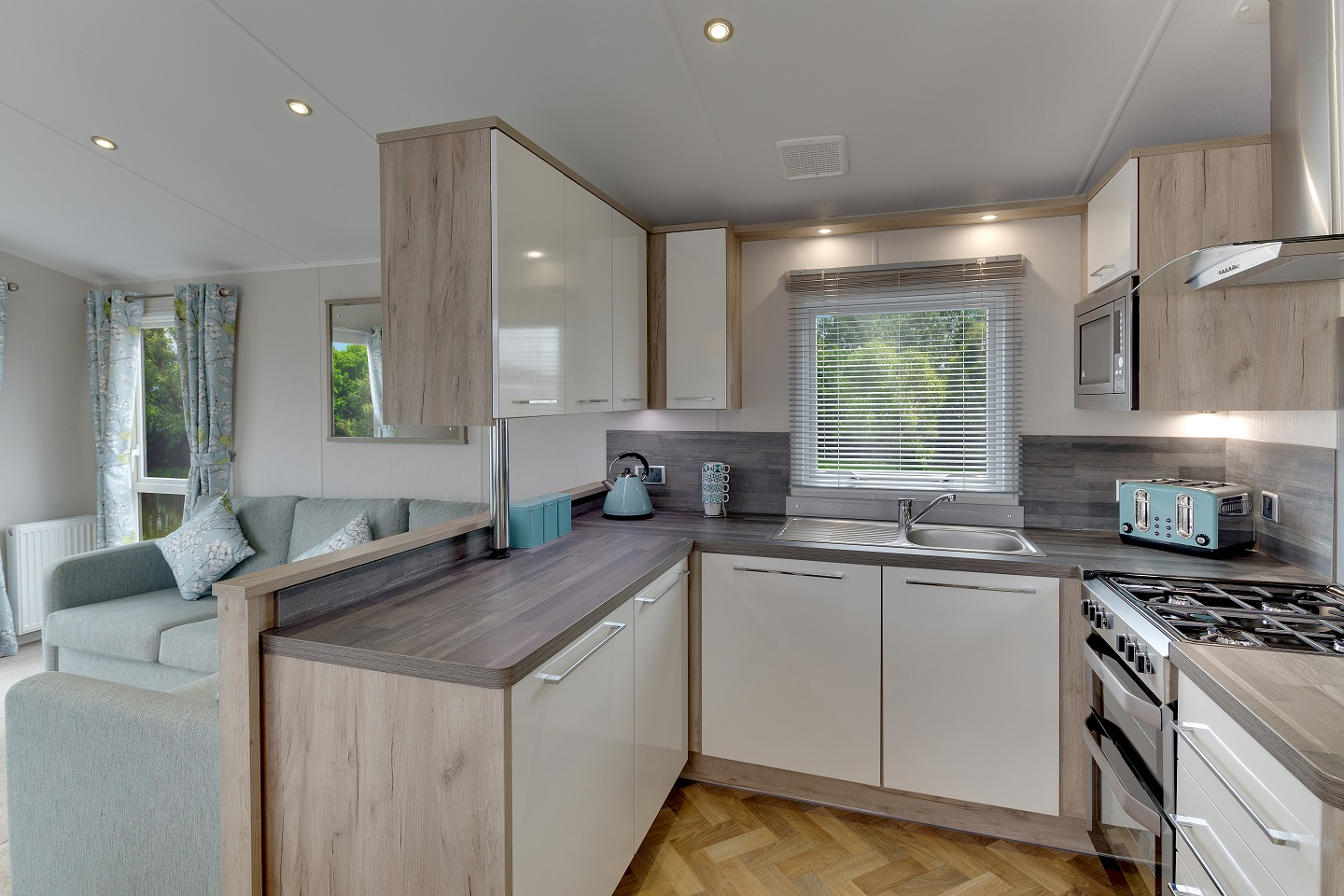 Willerby Canterbury 3 bedrooms ideal caravans Clifton Morpeth Northumberland Large Image 3