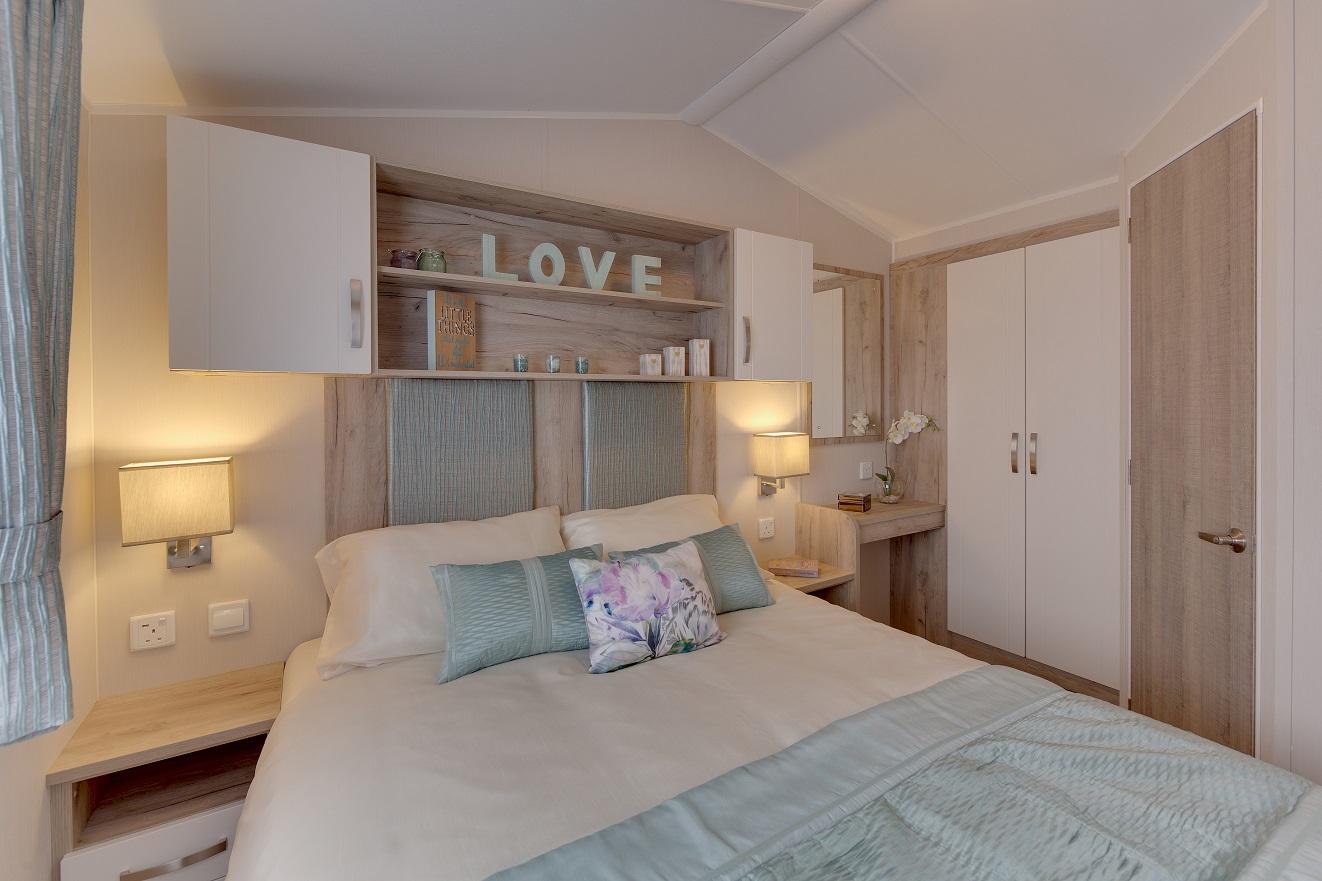 Willerby Skye: Static Caravans and Holiday Homes for Sale on Caravan Parks, Bamburgh, Northumberland Large Image 4