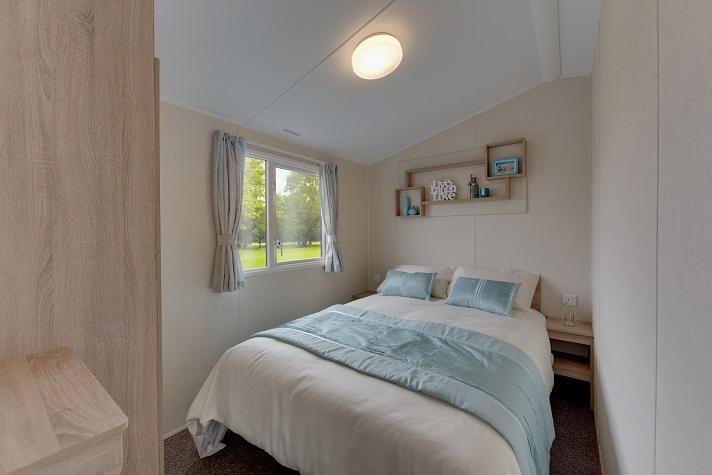 Willerby Lymington - 4 Bedrooms: Static Caravans and Holiday Homes for Sale on Caravan Parks, Bamburgh, Northumberland Large Image 3
