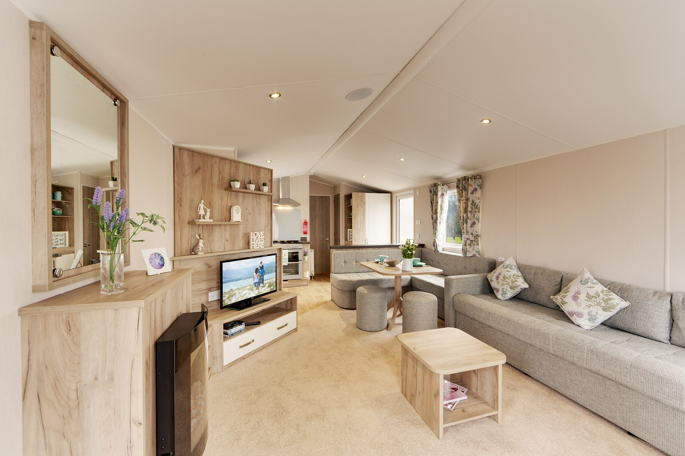 Willerby Skye - 3 Bedrooms: New Static Caravans and Holiday Homes for Sale, Clifton, Morpeth Large Image 2