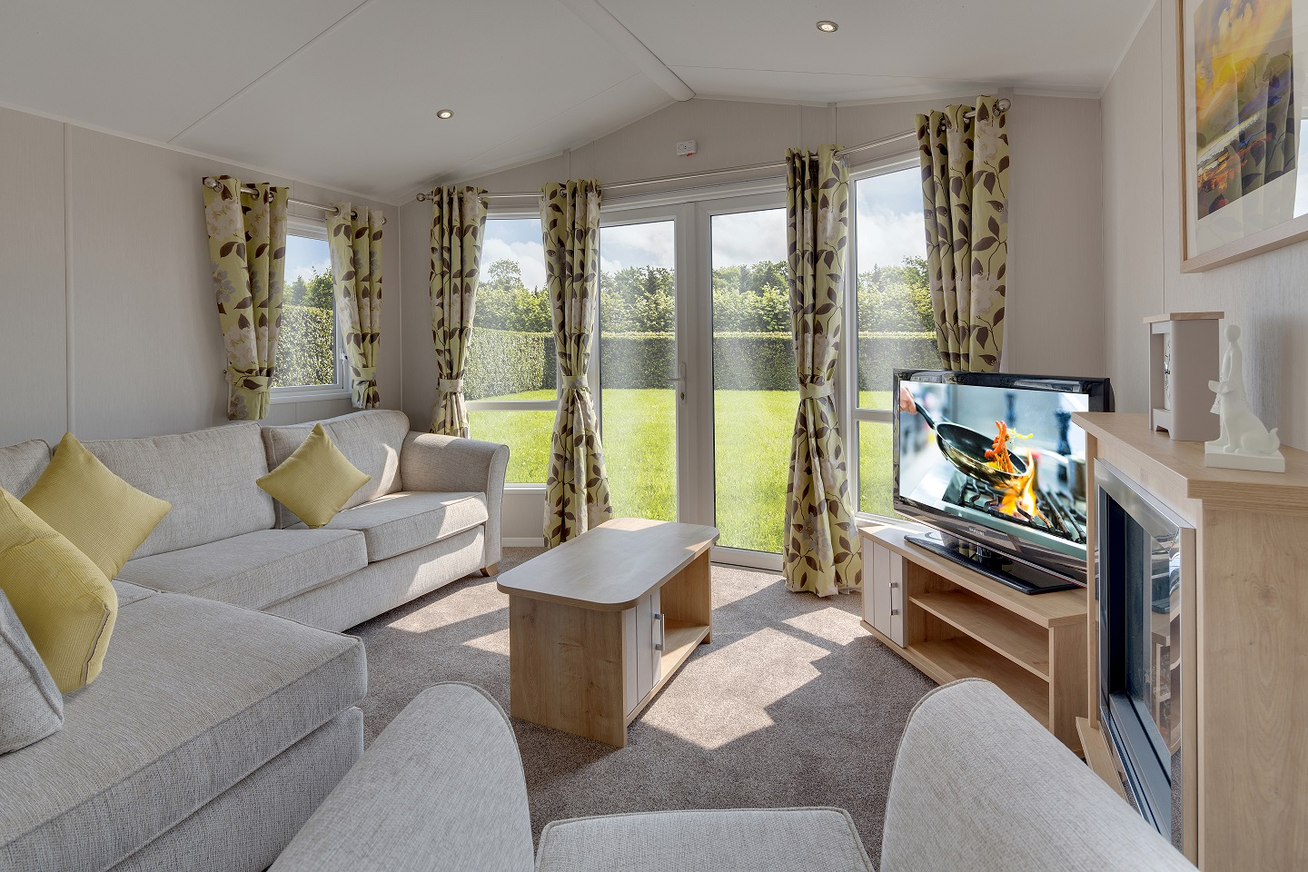 Willerby Winchester: Static Caravans and Holiday Homes for Sale on Caravan Parks, Nidderdale, North Yorkshire Large Image 1