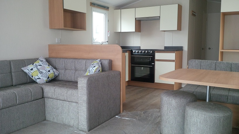 Willerby Mistral: Static Caravans and Holiday Homes for Sale on Caravan Parks, Richmond, North Yorkshire Large Image 2