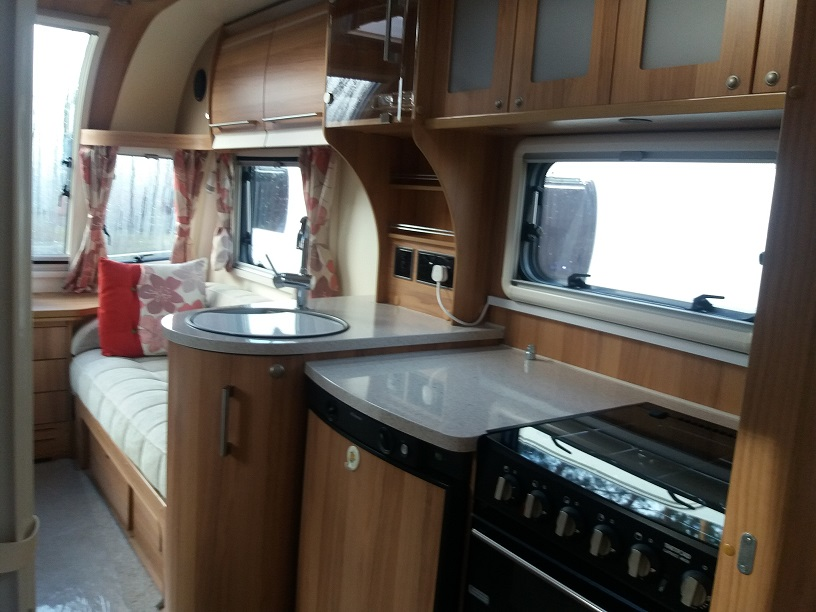 Bailey Unicorn Cadiz: Used Touring Caravans for Sale, Clifton, Morpeth Large Image 4