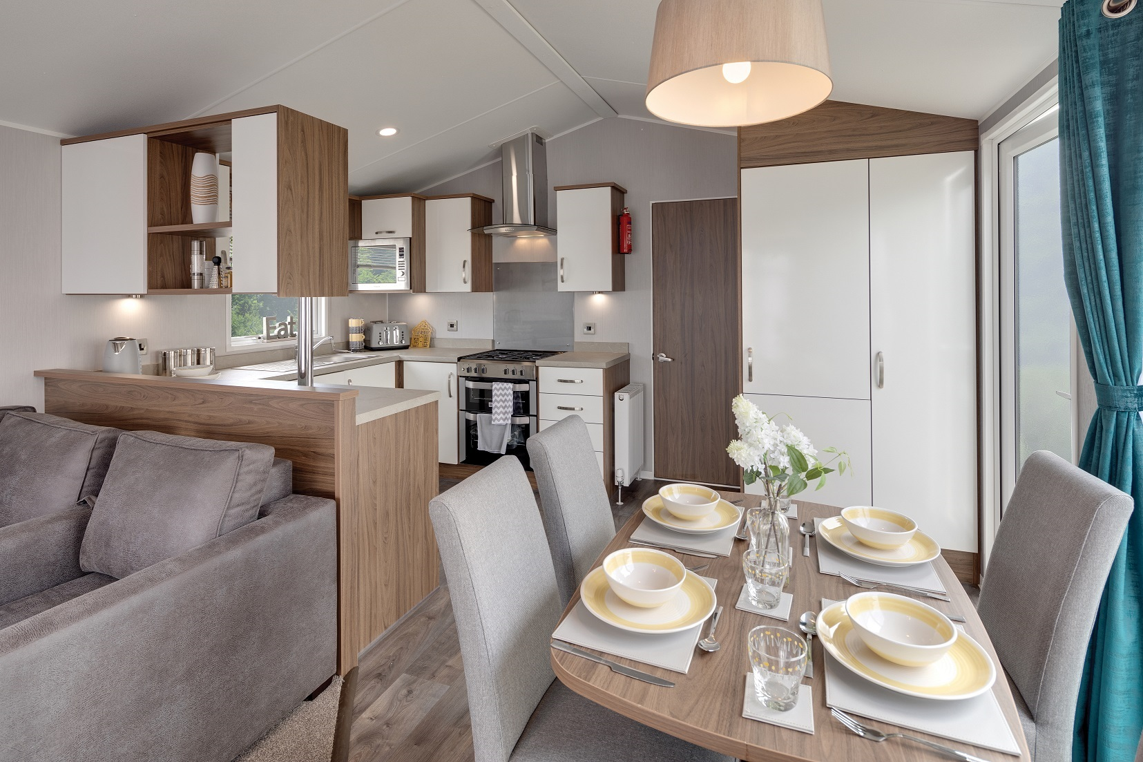 Willerby Avonmore: Static Caravans and Holiday Homes for Sale on Caravan Parks, Ripon, North Yorkshire Large Image 2
