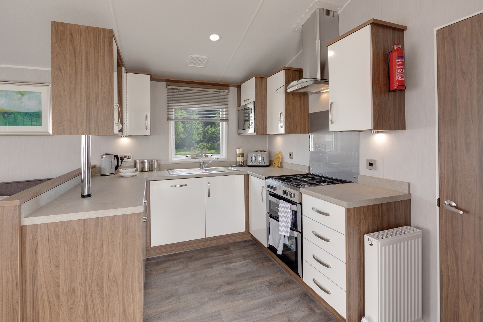 Willerby Avonmore: Static Caravans and Holiday Homes for Sale on Caravan Parks, Ripon, North Yorkshire Large Image 3