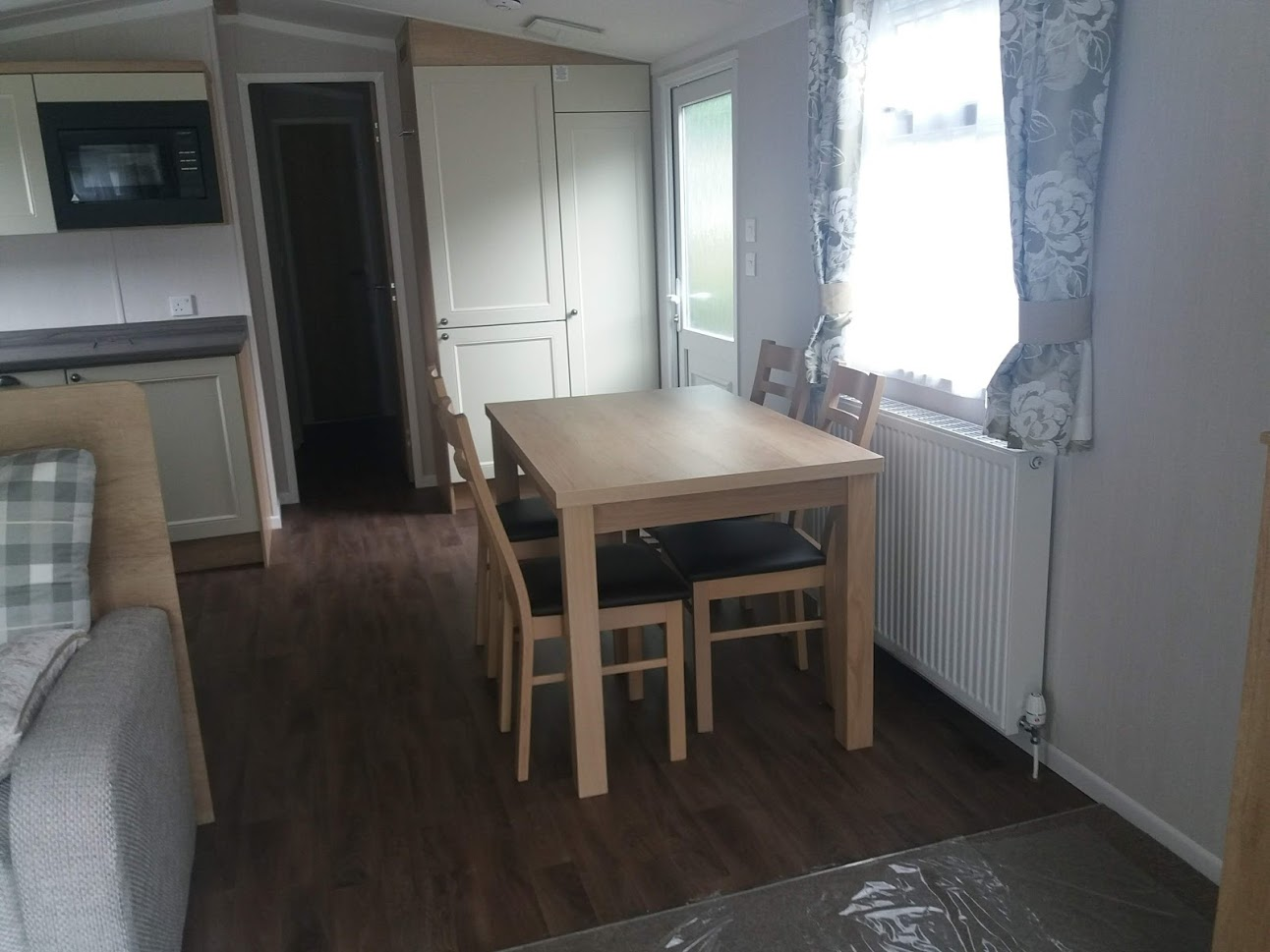 Swift Burgundy: New Static Caravans and Holiday Homes for Sale, Clifton, Morpeth Large Image 3