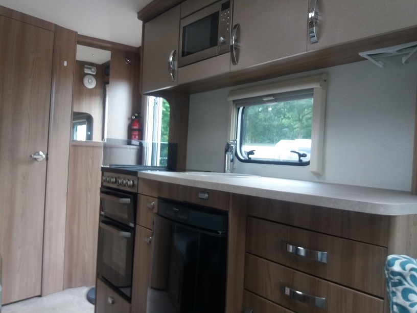 Swift Challenger 530: Used Touring Caravans for Sale, Clifton, Morpeth Large Image 2