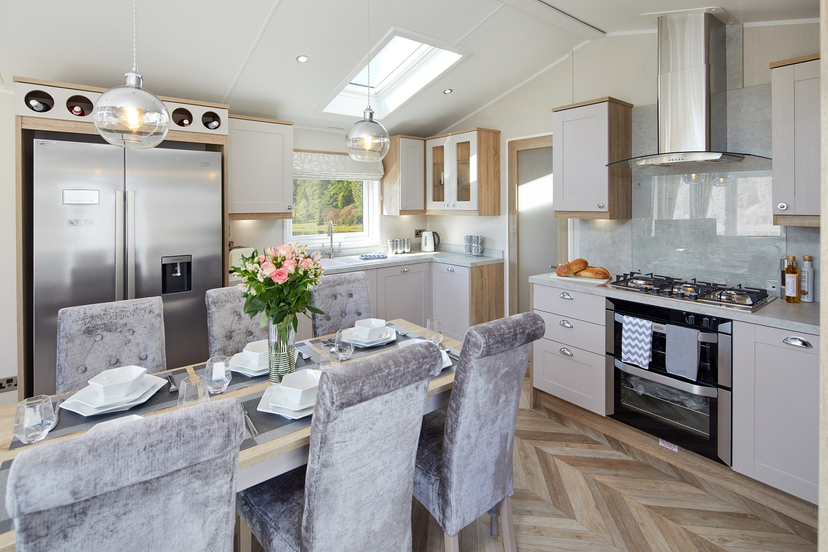 Willerby Vogue Classique - 13 foot - 2 Bedrooms: New Static Caravans and Holiday Homes for Sale, Available to Order Large Image 2