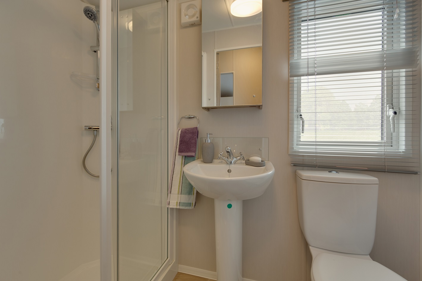 Willerby Skye: Static Caravans and Holiday Homes for Sale on Caravan Parks, Bamburgh, Northumberland Image 3