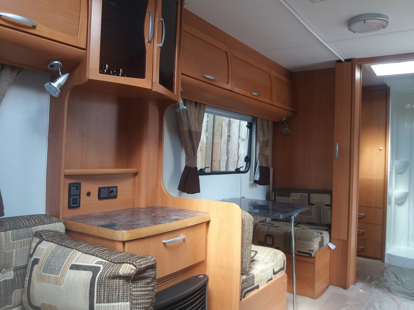 Lunar Clubman ES: Used Touring Caravans for Sale, Clifton, Morpeth Image 2