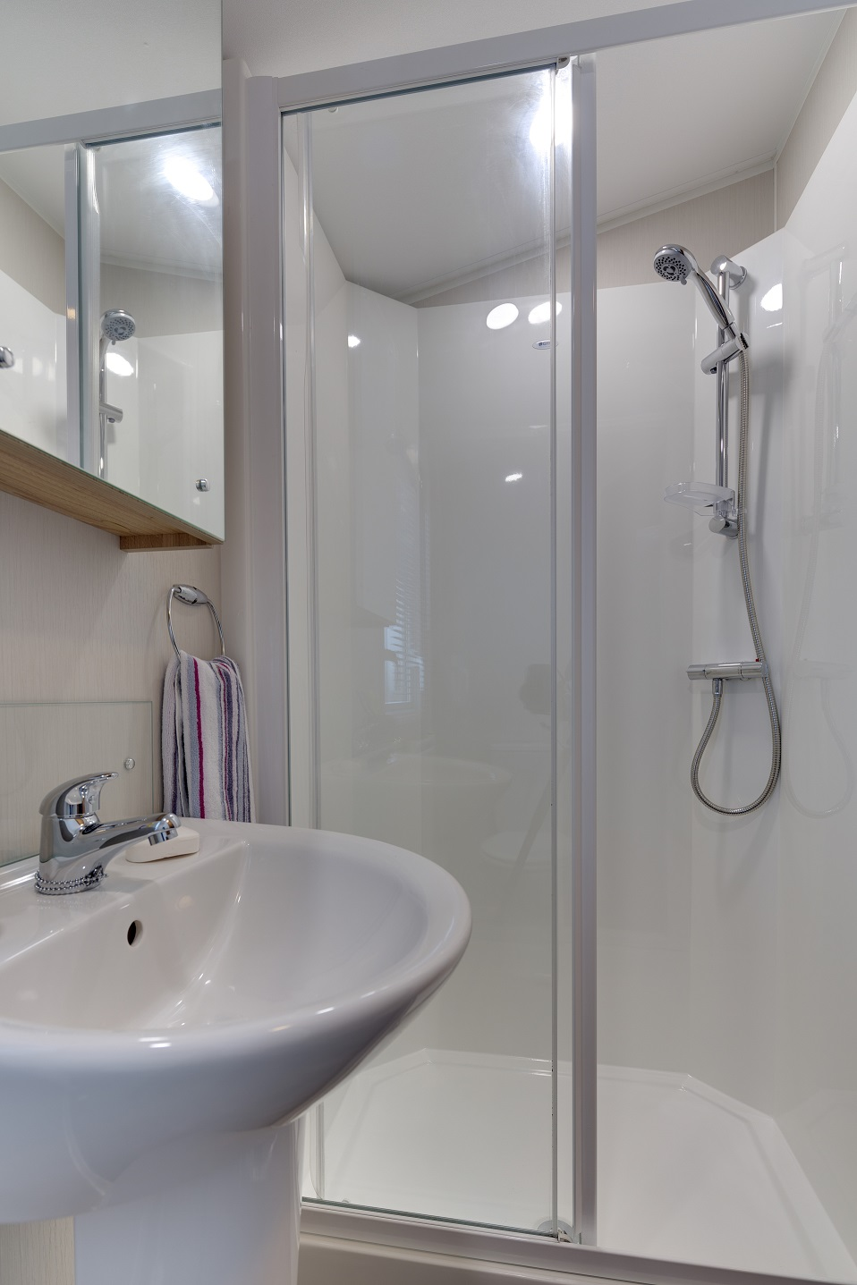 Willerby Brockenhurst: New Static Caravans and Holiday Homes for Sale, Clifton, Morpeth Image 3